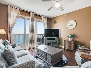 Charming gulf front condo w/shared pools, gym, beach access, & near restaurants!