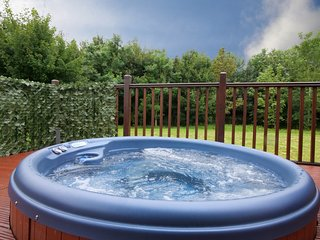 The Heron Lodge, with hot tub