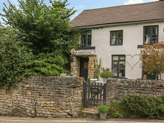 GRANGE COTTAGE, pet-friendly, beautiful cottage, character, woodburner, WiFi