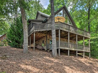NEW! Spacious Family Retreat: Steps to Lake Keowee
