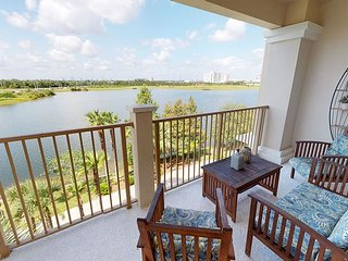 Penthouse with spectacular lakeview, next to Convention Center and I-Drive!!!