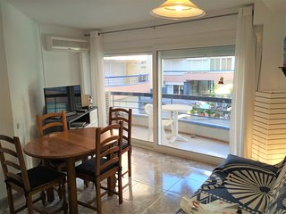 Girorooms Apartment in Platja d'Aró ideal for couples near the sea - SHOPPING213