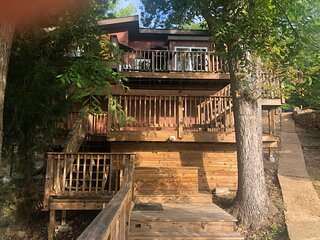 Tree House,  fishing off your dock, boat slip, and pet friendly