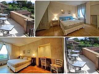 Double Rooms / Lake Garda / King size bed / Private Bathroom / No Smoking