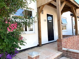 Apple Cottage, Pet Friendly New Forest Holiday Cottage in Lyndhurst with Parking