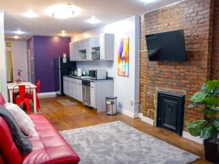 GORGEOUS 1 BEDROOM FLAT IN MANHATTAN