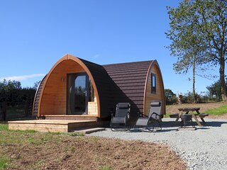 Cheshire View - Luxury En-Suite Glamping Pod in Ellesmere, Shropshire