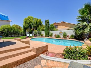 3 bed/3bath home w/private pool! 30 day minimum stay