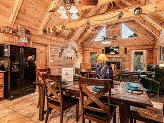 Branson Hideaway Cabin +GameRoom