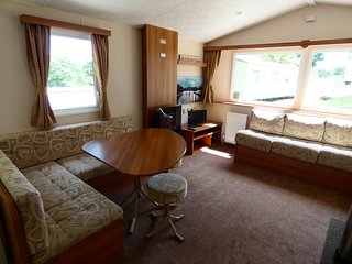 Three bedroom modern holiday home in Thorness Bay on the Isle of Wight