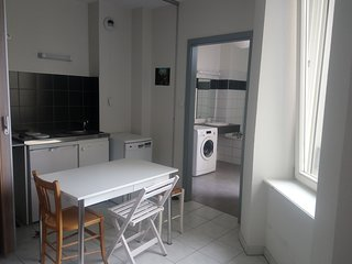 The GreenBay - Well Furnished Studio in the Center of Mulhouse