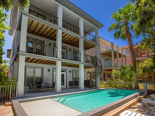 Sea-Viche Luxury 4bd home XL private heated pool