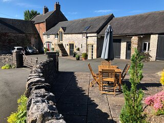 Milkmaid's Cottage - comfortable,characterful conversion dating from 1750