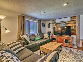NEW! Split-Level Home w/ Patio by Antelope Canyon!