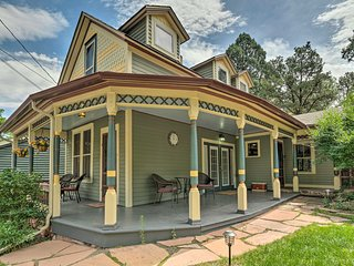 Historic Manitou Springs Victorian: Walk Downtown!