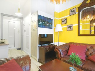 Sweet Central Tiny Apartment for 4 People