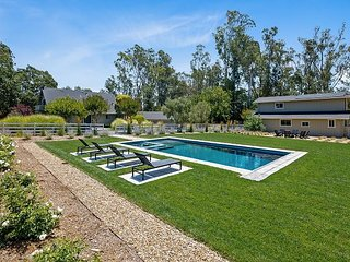 Gorgeous 3BR Wine Country Estate w/ Pool, Hot Tub & Barn
