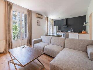 Family apartment in Barcelona - B437
