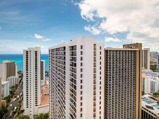 Standard Ocean View Condo - 36th Floor, Free parking & Wifi