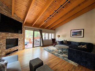 Home away From Home in Lake Tahoe, 3 bedroom close to town (LV103B)