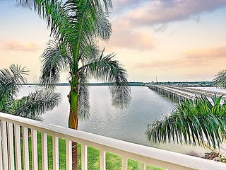 Updated Bayside Getaway w/ Pool & Hot Tub - Near Downtown & Local Beaches