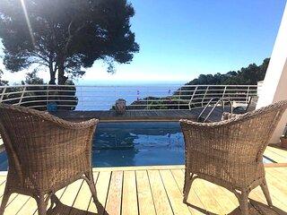 Casa adosada con piscina privada y espectacular vistas al mar, para 6 perso