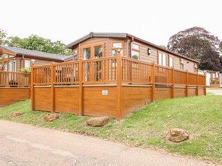 4 LAKE VIEW, Lake views, Open-plan, Pet-friendly, Norwich