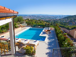 LAST MINUTE 20% 'BELLA VISTA' near Split-PANORAMIC PERFECT VIEW, HEATED POOL