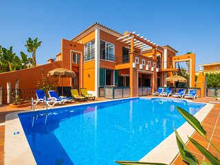 OUTSTANDING VILLA W/ BBQ,SEA,JACUZZI,PRIVATE HEATABLE POOL & 300M FROM THE BEACH