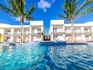 Blue Sea Condo steps to Eagle Beach!