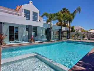 Villa Stefy -  heated pool Villa near Gale beach