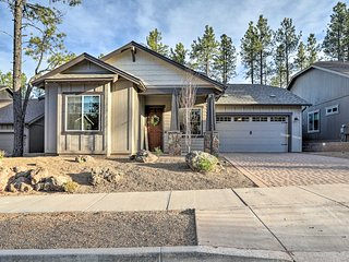 NEW! Chic Modern Flagstaff Home W/Hot Tub+Fire Pit