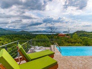 Casa Ojo D Aguila - Ocean and Mountain View Home