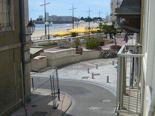 Location studio a deux pas de la plage.