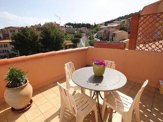 Agreable appt, bien situe, avec terrasse, parking