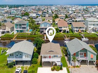 New Listing! Canal-Front Oasis w/ Boat Dock & Private Suite, Walk to Beach