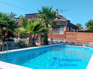 Villa ChaletBenidorm IN-TOWN, PRIVATE POOL, NEAR BEACH