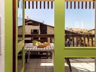 471 - GRAND LARGE- belle terrasse de 10m² exposée plein sud