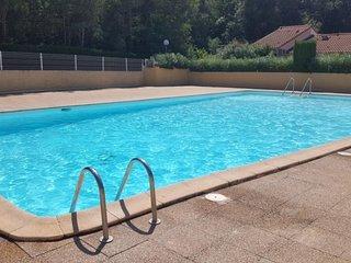 Appartement 6 personnes avec piscine collective et parking