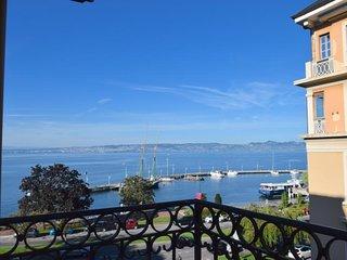 Bel appartement 2 pièces dans château proche centre Evian et Lac Léman
