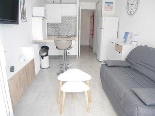 Studio avec terrasse en residence bord de mer