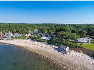 Greenport Waterfront Coastal Cottage on the beach Newly remodeled