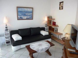 A 50 m de la plage, appartement T2 pour 4 personnes avec WIFI.