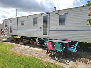South Field 127, Skipsea Sands, 3bd Caravan