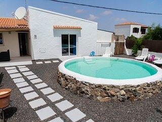 Villa Luna Nueva acogedor lugar con jardín y piscina privada