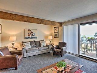 Cozy 1st-Floor Condo Along the Lake Erie Shoreline