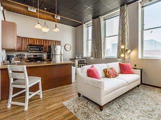 ❆Stylish/Elegant Loft In Historic Downtown Icon!❆
