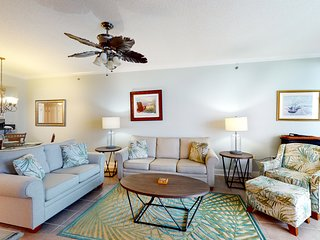 Comfortable Gulf Front Condo w/ 2 Beach Chairs Included, Close To Entertainment