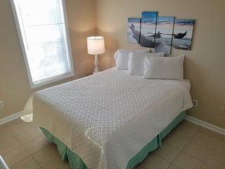 2 Bedroom 1 Bath Apartment One Block from the Garden City Pier~Unit G1