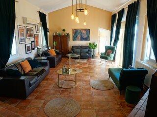 5 bed Villa in Tala, Pool & Panoramic Sea view